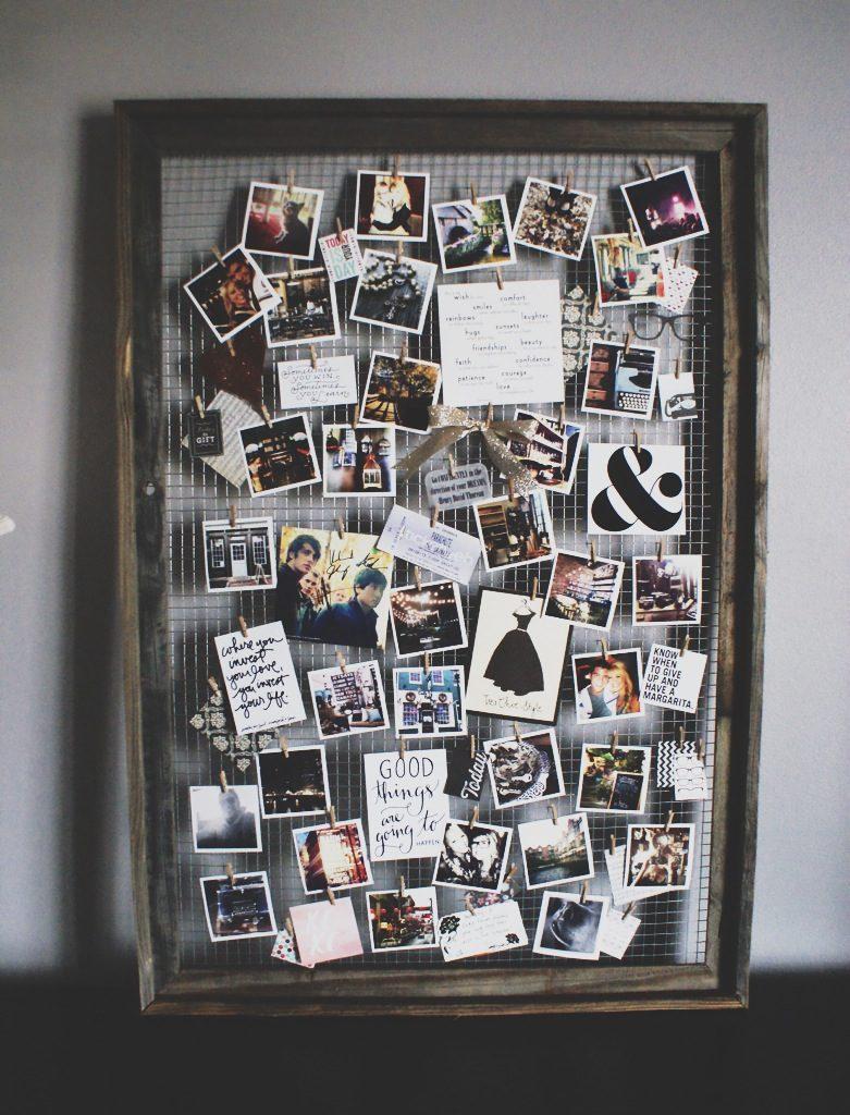Visor de fotos de família com moldura de metal