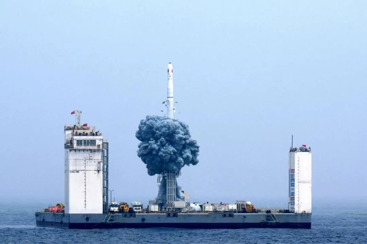 A China está construindo um espaçoporto flutuante para lançar missões espaciais.