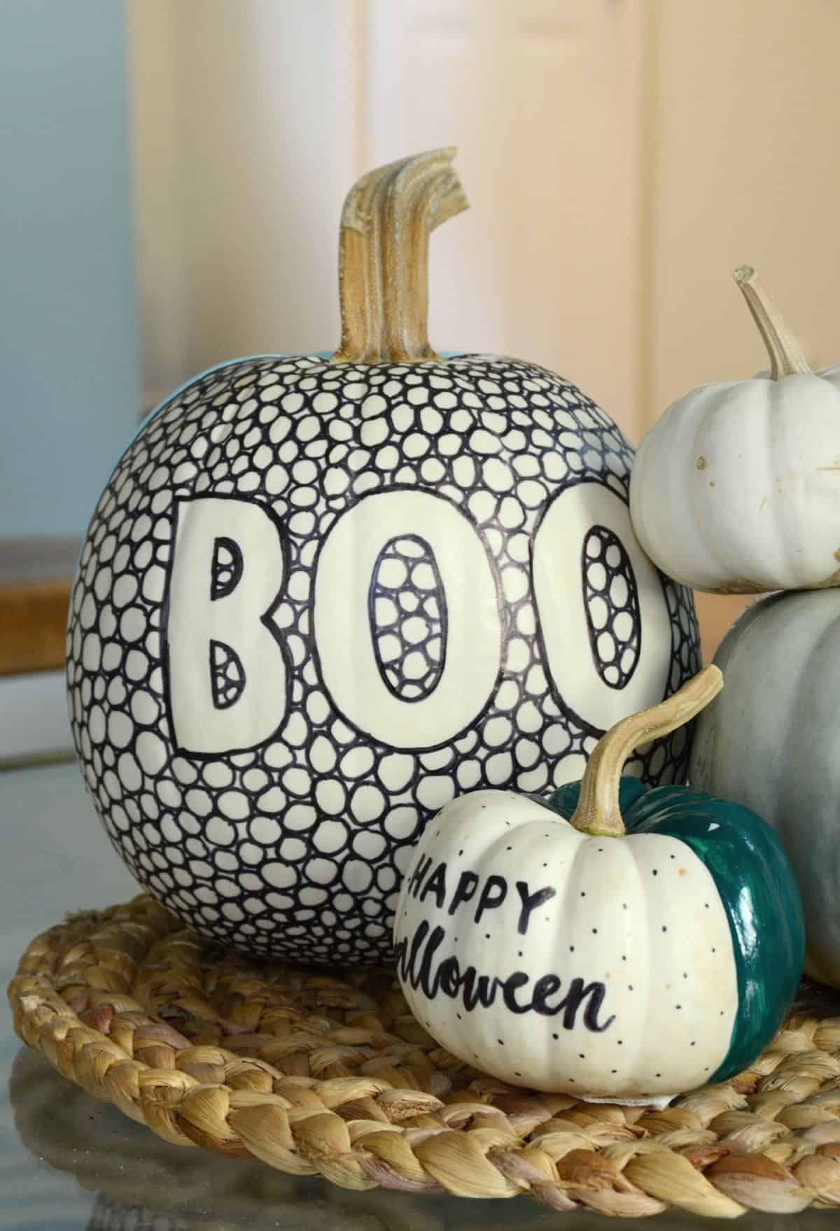 Abóbora estampada em preto e branco DIY para o dia das bruxas