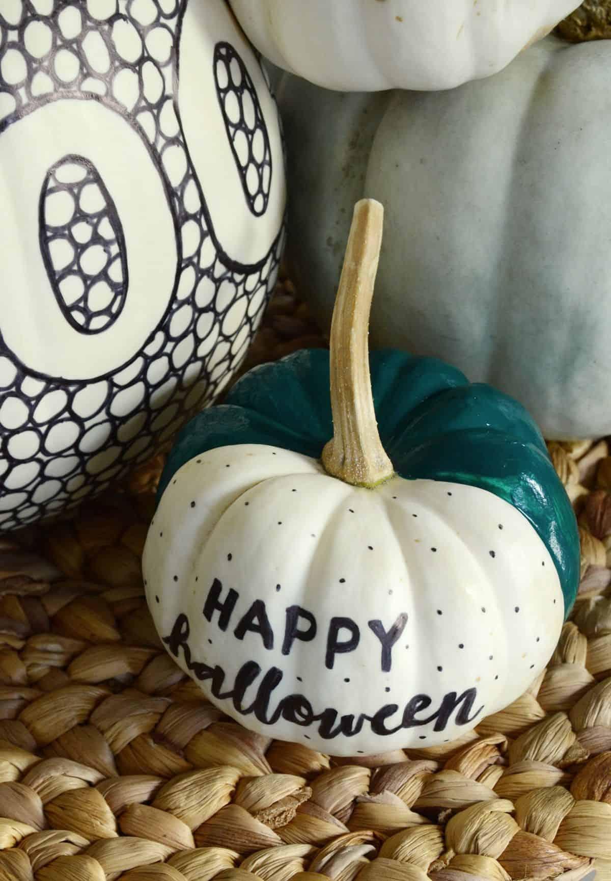 DIY fantasia de abóbora em preto e branco feliz dia das bruxas
