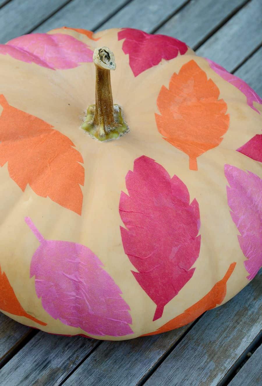 Decoração faça você mesmo com folhas de papel de seda