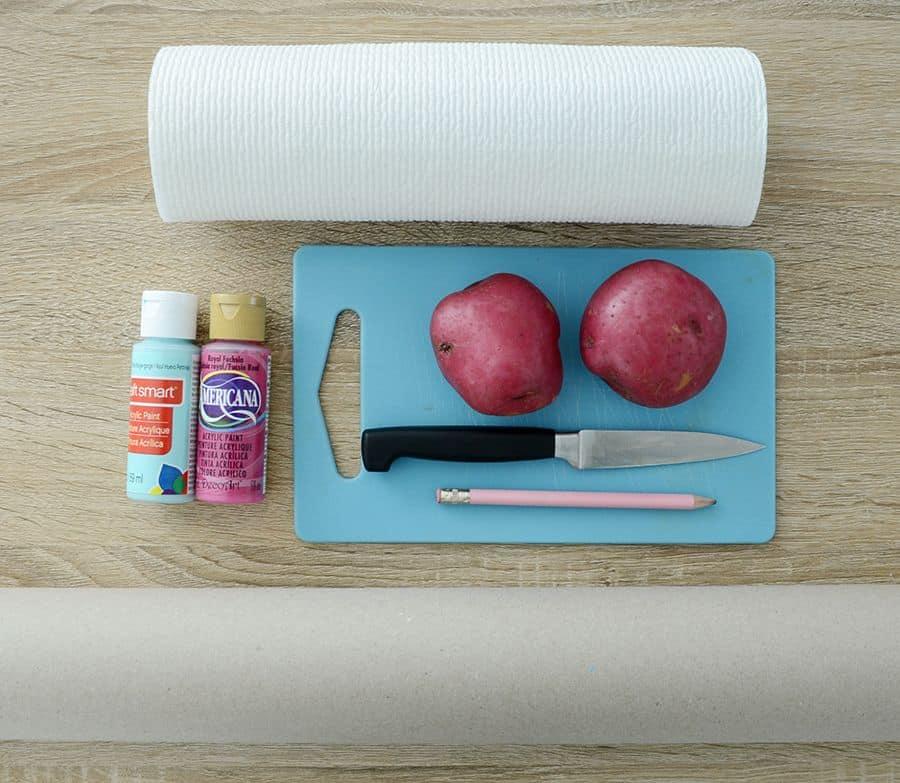 Materiais de embrulho para presentes impressos à mão em DIY