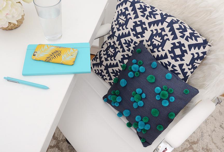 Travesseiro decorativo final DIY Pom Pom 1