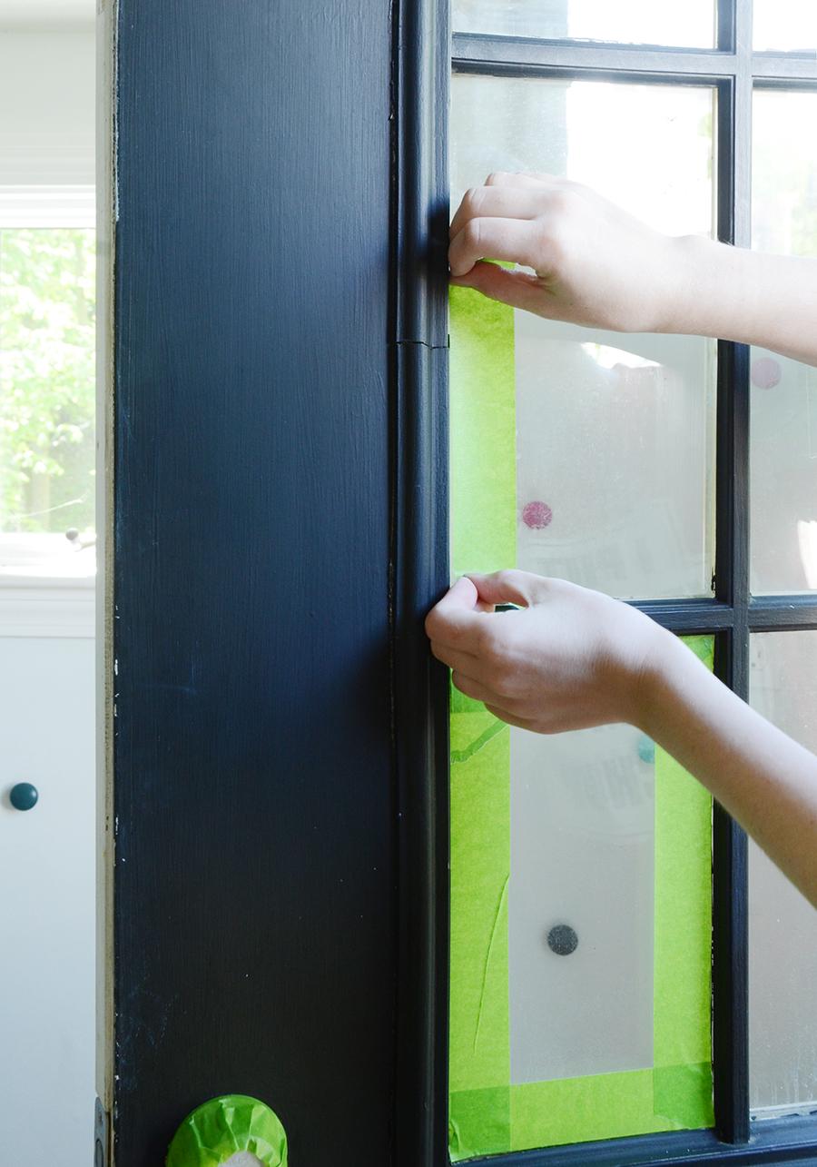 Como pintar a fita adesiva da porta externa