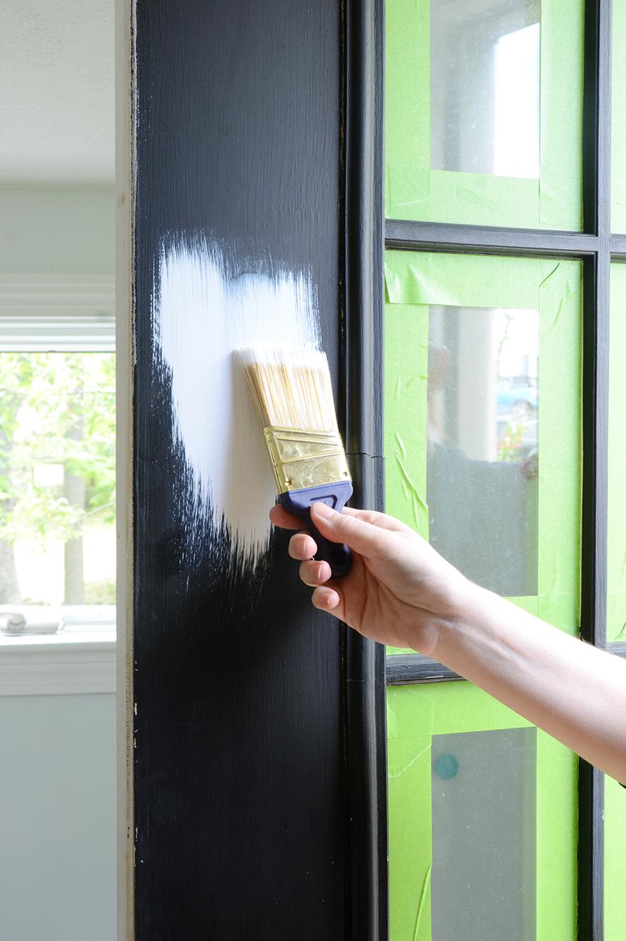 Como pintar uma camada externa com primer branco
