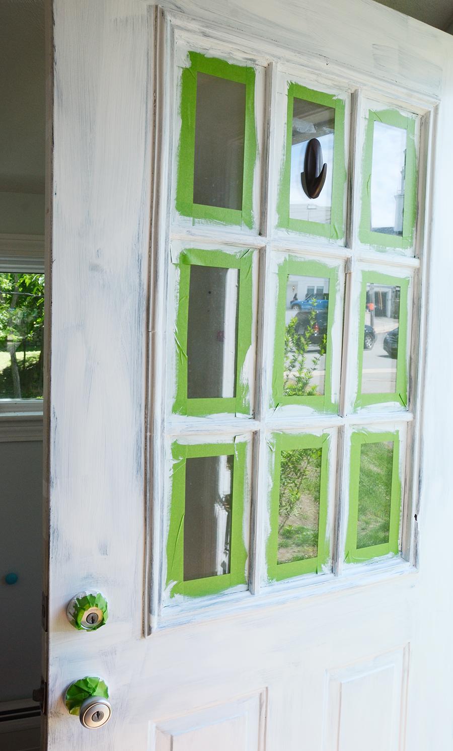 Como pintar uma porta externa após um primer branco