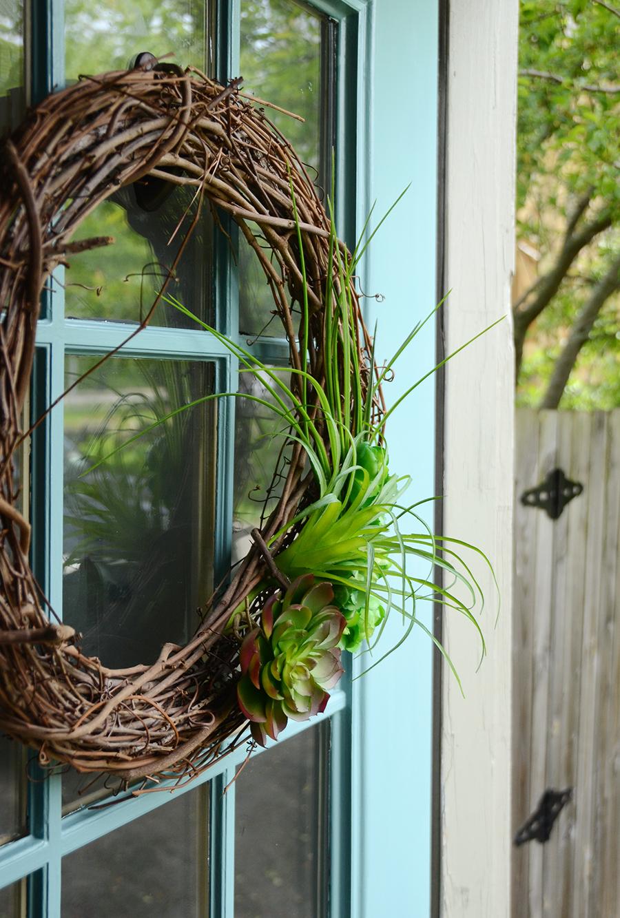 Como pintar uma decoração de guirlanda de porta externa