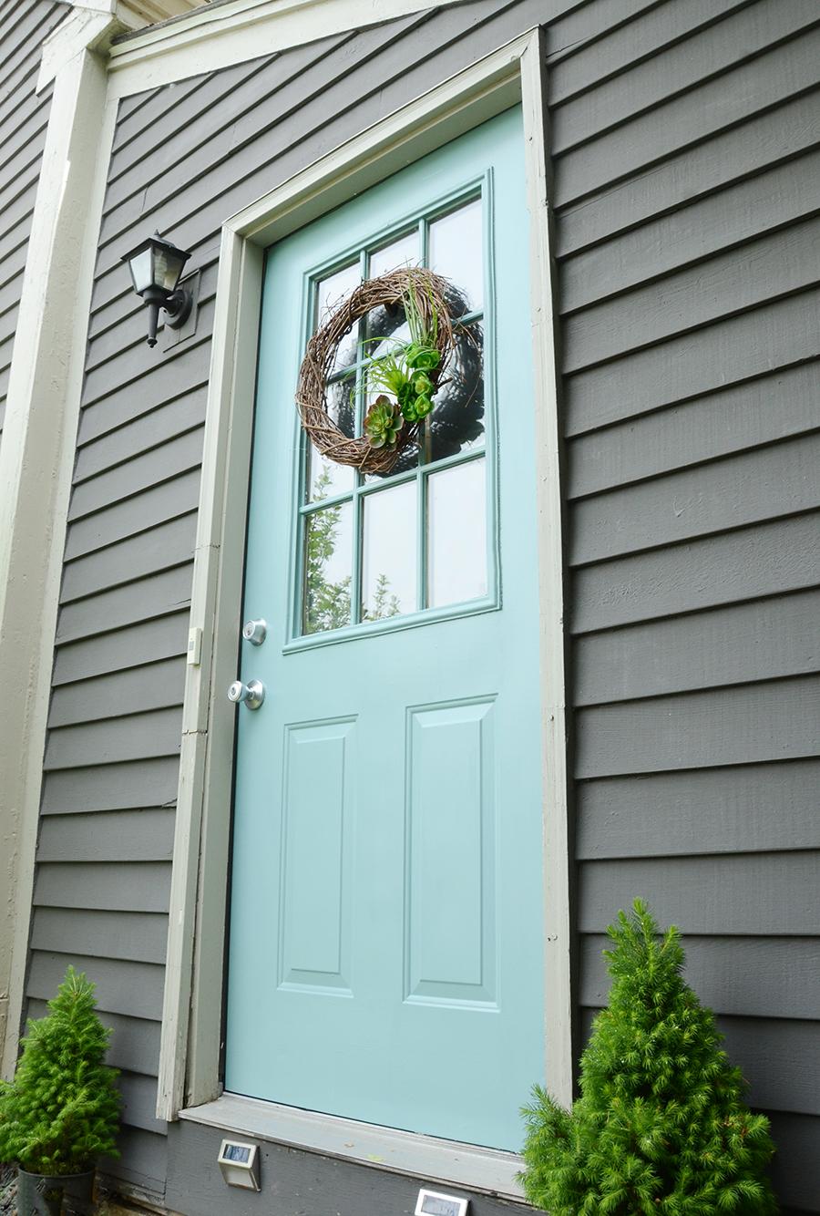 Como pintar uma porta da frente externa