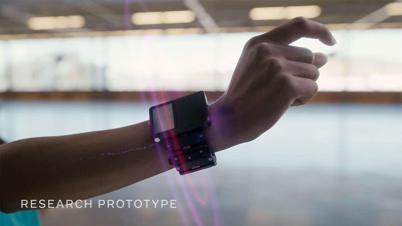 O Facebook está desenvolvendo uma pulseira neural para oferecer suporte a óculos de realidade aumentada.