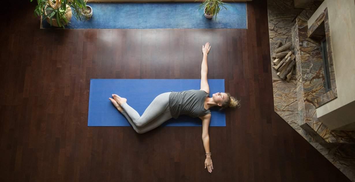 As melhores posturas de ioga para o seu intestino - Dr. Axe