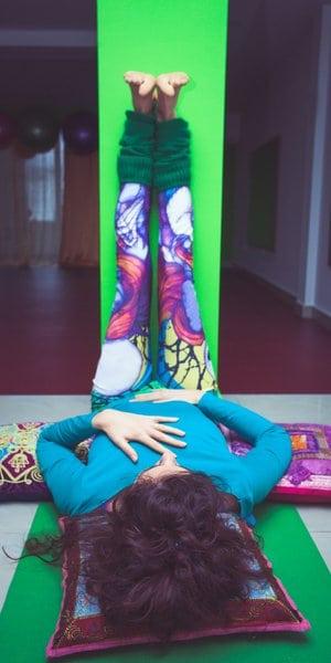 A melhor ioga para o seu intestino - Dr. Axe