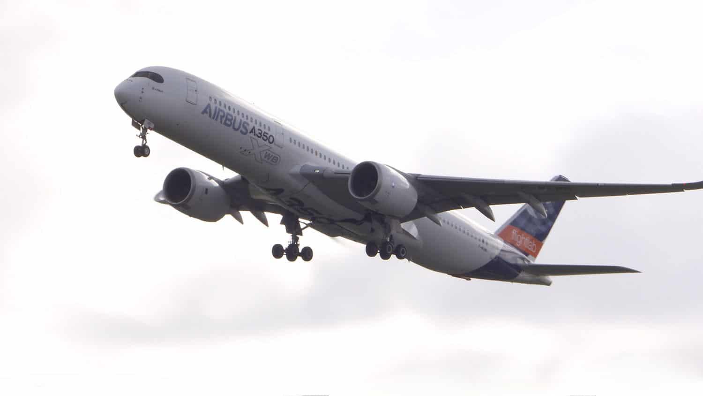 As principais empresas de aviação iniciam o primeiro estudo sobre emissões de combustível 100% sustentáveis durante o voo